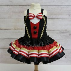 Circus Birthday Outfit, Carnival Outfit Girl, First Birthday Outfit Girl, Circus Dress, Ring Leader Outfit Girl, Circus Birthday Girl  *Current Production Time: 2 WEEKS PLUS approx. 3-5 business days for domestic shipping or up to 3 weeks for international shipping*  This is not a dress, but a separate corset top and tutu. The tutu is made short and does not provide complete coverage. A diaper cover or shorts/leggings are highly recommended. The corset top is made with gorgeous fabrics a...