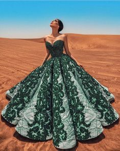 Swans Style is the top online fashion store for women. Shop sexy club dresses, jeans, shoes, bodysuits, skirts and more. Pretty Prom Dresses, Fabulous Dresses, Stunning Dresses, Beautiful Gowns, Nice Dresses, Gala Dresses, Event Dresses, Quinceanera Dresses, Glamour Fashion