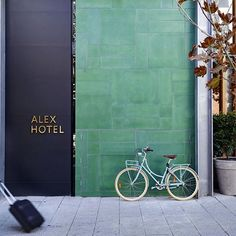 """This weekend we'll take a look inside the Alex Hotel, Perth. Designed by interior design firm Arent&Pyke and Architects Space Agency lobby # bistro Commercial Interior Design, Commercial Interiors, Facade Design, Exterior Design, Perth, Alex Hotel, Spa Hotel, Hotel Motel, Hotel Decor"