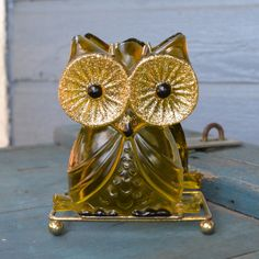 Super Sweet Vintage Lucite Owl Napkin Holder by silkcreekgallery, $12.00