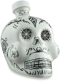 KAH Tequila Blanco is available from click n' drink in these small bottles. Each one is hand painted making each one unique and great for gift ideas such as Christmas. Patron Tequila, Tequila Sunrise, Day Of The Dead Party, Sweet Notes, Fresh Lime Juice, Wine And Spirits, Simple Syrup, Flask, Margarita