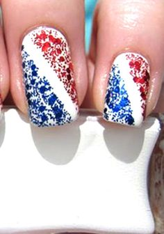 On Our Pin Board: Stars & Stripes For The Of July. Experiment with our step-by-step guide on easy-to-do nail art that strings along the all-natural trend, while keeping the American Independence Day in mind. Cute Nail Art, Gel Nail Art, Cute Nails, Pretty Nails, Nail Polish Designs, Nail Art Designs, Patriotic Nails, Seasonal Nails, 4th Of July Nails