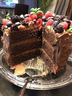Fudgiest Dairy-Free Chocolate Cake Recipe - Susan Recipes Best Chocolate Brownie Recipe, Dairy Free Chocolate Cake, Chocolate Butter, Decadent Chocolate, Brownie Recipes, Cake Recipes, Susan Recipe, Ice Milk, Vegan Desserts