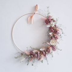 Ideas for everyone disposing of dried flowers Joli Place # the ., Ideas for everyone disposing of dried flowers Joli Place # the Dried Flower Wreaths, Dried Flower Bouquet, Flower Bouquet Wedding, Dried Flowers, Paper Flowers, Silk Flowers, Diy Fleur, Fleurs Diy, Modern Wreath