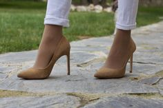 #fetishpantyhose #pantyhosefetish #legs #heels #blogger #stiletto #pantyhose #tan #collant