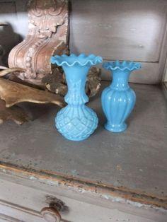≥ 2 blauwe opaline vaasjes. Caatje - Antiek | Woonaccessoires - Marktplaats.nl