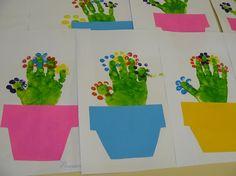 Фотоконкурсы для педагогов Рисунок и аппликация Кактус.  Сделана из ручек детей. МАДОУ д/с №119  г. Калининград…