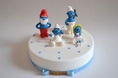 Cake Topper Puffi: con Grande Puffo, Puffetta, Baby Puffo e Puffo Golosone interamente modellati a mano