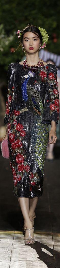 #Farbbberatung #Stilberatung #Farbenreich mit www.farben-reich.com Dolce & Gabbana Alta Moda Fall 2015 couture