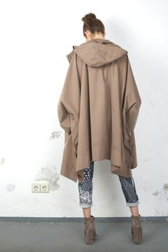 Tsumori Chisato trench cape: only maybe in a different color :.