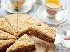 Wortelcake zonder suiker | Kookmutsjes Healthy Sweets, Healthy Baking, Healthy Snacks, Mini Cheesecakes, Pasta, Sweet Desserts, Cakes And More, Cake Cookies, Cornbread