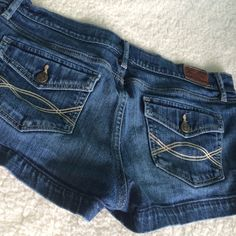 Abercrombie&Fitch Shorts✨ ✨NWOT Condition✨ ❤️Please no Trades ❤️Please no lowball offers‼️Feel free to ask me any questions‼️ Abercrombie & Fitch Shorts Jean Shorts