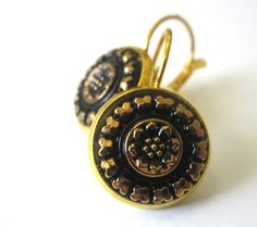 Vintage glass button earrings. Black glass with gold highlights