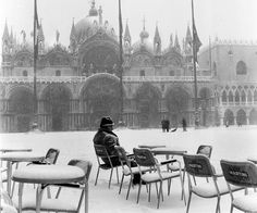 """eccellenze-italiane: """"Piazza San Marco, Venice 1963 by Winston Vargas. Albania, Venice In Winter, Italy Winter, Piazza San Marco, Vintage Italy, Most Beautiful Cities, Naples, Italy Travel, Places To See"""