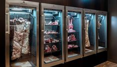 26 Trendy Ideas For Meat Restaurant Design Interiors Butcher Restaurant, Meat Restaurant, Restaurant Concept, Carne Madurada, Butcher Store, Carnicerias Ideas, Dry Aged Steak, Bbq Places, Meat Store