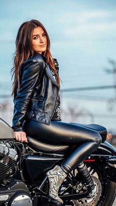 Trendy Beautiful Cars For Girls Biker Babes Ideas Ducati, Cafe Racer Girl, Motorbike Girl, Motorcycle Outfit, 50cc Moped, Moped Scooter, Gas Moped, Moped Motorcycle, Girl Bike