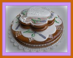 svatební dort (na přání) Velikost: průměr dortu je cca 20 cm Možnosti: dort je jedlý, plněný povidly, náplň může být i z marmelády nebo Nutely. Na přání zhotovým dárkovou krabičku nebo zabalím do celofánu s mašličkou viz BALENÍ Pokud si budete přát, mohu dort nazdobit podle Vašeho návrhu (změna barvy, motivu atp.). Doplním jakýkoliv text (jména, monogramy nebo ...