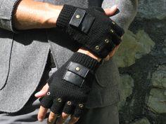 #guanti mezze dita con tasca in finta pelle half-finger gloves with faux leather pocket € 38 #handmade #knitwear for man
