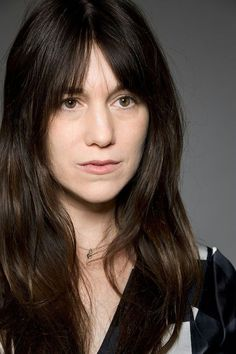An entry from The most beautiful photos of Charlotte Gainsbourg Charlotte Gainsbourg, Serge Gainsbourg, Jane Birkin, Kate Barry, Trendy Mood, Most Beautiful, Beautiful Women, Lou Doillon, Pose