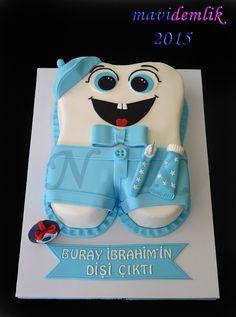 mavi demlik mutfağı- izmir butik pasta kurabiye cupcake tasarım- şeker hamurlu-kur: BURAY İBRAHİM'İN DİŞ BUĞDAYI PASTASI Half Birthday Baby, Yellow Birthday, Dental Cake, Doctor Cake, Tooth Cake, Dental Kids, Baby Girl Cakes, Funny Cake, Banana Ice Cream