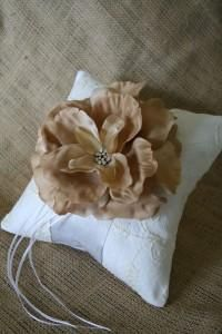 DIY Wedding Ring Bearer Pillow  DIY modern ring bearer pillow