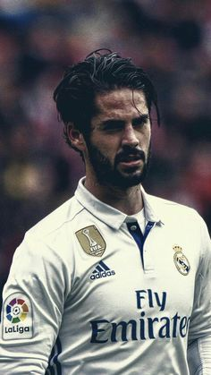 RUMOR: Barça are interested in Isco and will talk with Real Madrid for the Mid Fielder's transfer. The problem is that we have too many midfielders at barça 😂 Real Madrid Football Club, Real Madrid Players, Football Love, Best Football Players, Football Is Life, Soccer Players, Isco Real Madrid, Ronaldo Real Madrid, Paris Saint Germain Fc