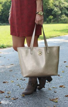 Top Handbag Trends for Fall and Winter | Burgundy, Gold, Blue!