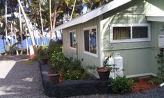 Cottage w/ 1 BR, 1 bath, full kitchen, laundry, BBQ, and gorgeous ocean view.