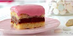 Punschkrapfen Austrian Recipes, Xmas Food, Fun Cooking, Four, Vegan Recipes, Xmas Recipes, Cheesecake, Deserts, Eat