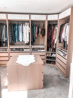 Ikea Walk In Wardrobe, Walk In Closet Small, Ikea Pax Closet, Wardrobe Room, Closet Bedroom, Build In Wardrobe, Walk Through Closet, Master Closet Design, Walk In Closet Design