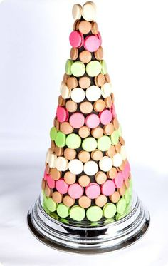 macaron tower with fancy base C comme des smarties!!!!!