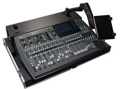 Gator G-TOUR Seires Pro Audio Mixer Wood Flight Cases