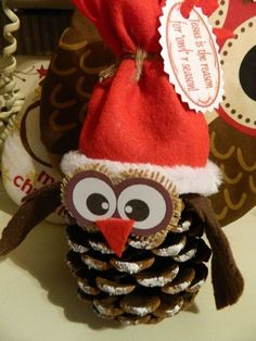 Make with a toque and mittens-Owl ornament. This could be fun to make and I don't think it would be hard to figure out how to do it either. Christmas Owls, Christmas Crafts For Kids, Diy Christmas Ornaments, Homemade Christmas, Christmas Projects, Holiday Crafts, Christmas Holidays, Christmas Gifts, Christmas Decorations