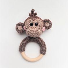 best Ideas for crochet baby rattle free pattern sweets Crochet Baby Toys, Crochet Diy, Crochet Baby Clothes, Crochet Animals, Crochet Dolls, Handgemachtes Baby, Baby Rattle, Crochet Patterns For Beginners, Handmade Baby