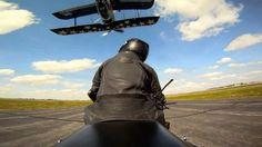 Flugzeug streicheln » Bitte während des Flugs nicht das Flugzeugheck berühren! Dies gilt ...