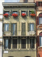 Pretty houses in Italy
