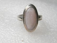 Beautiful Sterling Silver Bezel-Set Oval Mother-of-Pearl Ridged-Band Ring, 7.25 #Unbranded #Band
