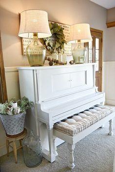 Piano Decor – Farmhouse Dwelling Room