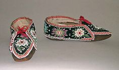 Beautiful wool and silk slippers from America circa 1830-40