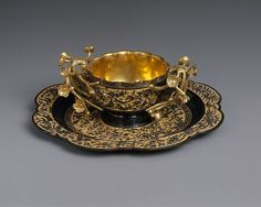 Tea Cup and Saucer Period: Edo period Date: dated 1731 Culture: Japan Medium: Shakudo (copper alloy) and gold Dimensions: H. (cup): 1 in. (cup): 3 in. (saucer): 4 in. Vintage Cups, Teapots And Cups, China Tea Cups, My Cup Of Tea, Tea Service, Tea Cup Saucer, Tea Time, Tea Party, Antiques