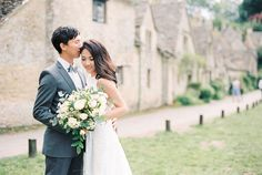 Floral Fondness   Overseas Pre-Wedding   Engagement   Cotswold   England   Journey to Forever   Perfect Spot   Lovely   Timeless   http://brideandbreakfast.hk/2016/12/12/floral-fondness/