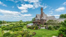 Inside a Sprawling $12.8 Million Estate on Maine's Moosehead Lake – Robb Report
