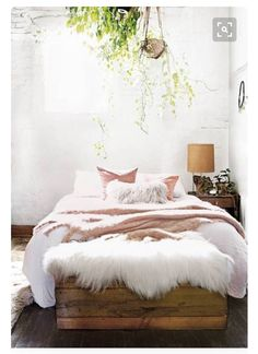 9 Lively Clever Ideas: Natural Home Decor Bedroom Chandeliers natural home decor inspiration rustic.All Natural Home Decor Dreams natural home decor living room floors.Natural Home Decor Living Room Inspiration. Trendy Bedroom, Cozy Bedroom, Dream Bedroom, Bedroom Decor, Bedroom Ideas, Bohemian Bedrooms, Bedroom Small, Bedroom Designs, Bedroom Inspiration
