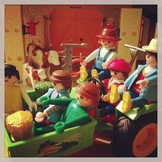Op de zorgboerderij van boer Willem. #playmobil #gaymobil #bzv