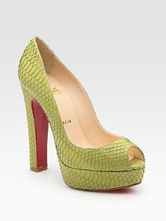 The only snake I like is a dead one on my shoe. Bamboo water snake, green heel, so fab.