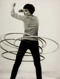 hula hoop! Audrey Hepburn #1950s
