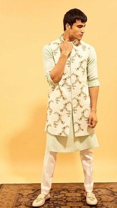 Indian Wedding Dresses for Men pertaining to Inspiration - Wedding Ideas MakeIt wedding traditions Wedding Kurta For Men, Wedding Dresses Men Indian, Indian Wedding Wear, Wedding Dress Men, Pakistani Wedding Outfits, Mens Indian Wear, Indian Groom Wear, Indian Men Fashion, Men's Fashion