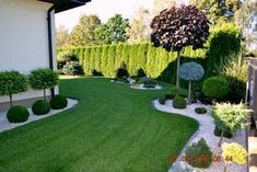 Popular Modern Front Yard Landscaping Ideas 16 – Landscaping Your Home - Garten Dekoration Front Garden Landscape, Front Yard Landscaping, Landscaping Ideas, Mulch Landscaping, Backyard Ideas, Backyard Designs, Black Rock Landscaping, Landscaping Blocks, Landscaping Equipment