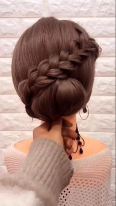 An easy hairstyle to complete your special event looks 😍😍 Office Hairstyles, Chic Hairstyles, Pretty Hairstyles, Black Hairstyles, Chignon Tutorial, Easy Chignon, Simple Elegant Hairstyles, Communion Hairstyles, Medium Hair Styles