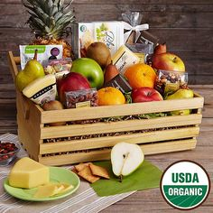 Sharis Berries Organic Indulgence Gift Basket w Personalized Ribbon 1 Count Gourmet Fruit Gifts Great for Mothers Day Chocolate Dipped Fruit, Dark Chocolate Bar, Chocolate Strawberries, Gift Baskets For Women, Curated Gift Boxes, Fruit Gifts, Personalized Ribbon, Christmas Hamper, Candy Crafts